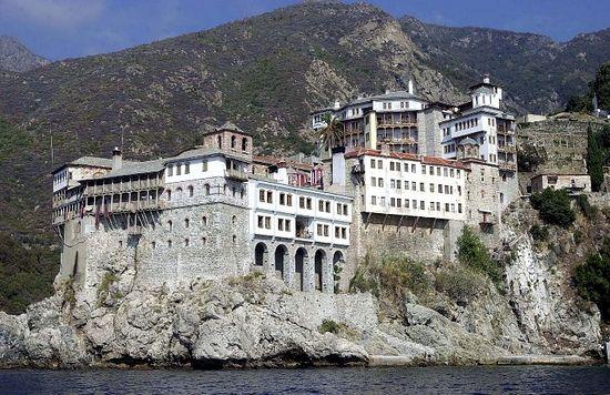 Монастырь Григориат. Фото: Romfea
