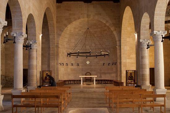 Интерьер базилики в Табхе