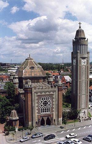 Церковь св. Хризолия в городе Комин, Бельгия.