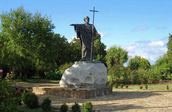 Памятник апостолу Андрею Первозванному в Херсонесе