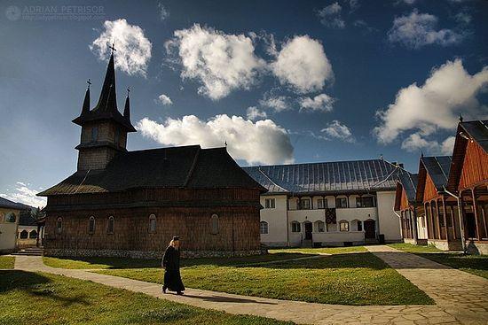 Церковь монастыря Оаша