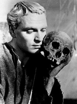 Гамлет с черепом Йорика