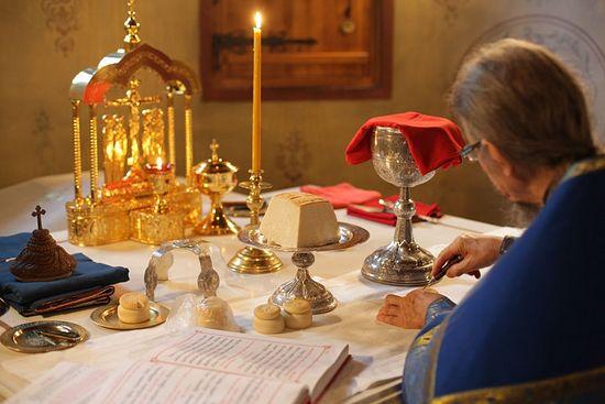 Проскомидија. Сретенски манастир. Фото: Анатолије Горјаинов