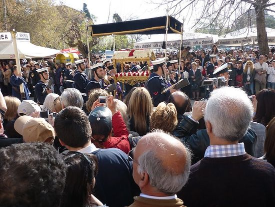 Крестный ход с мощами святителя Спиридона. Остров Корфу