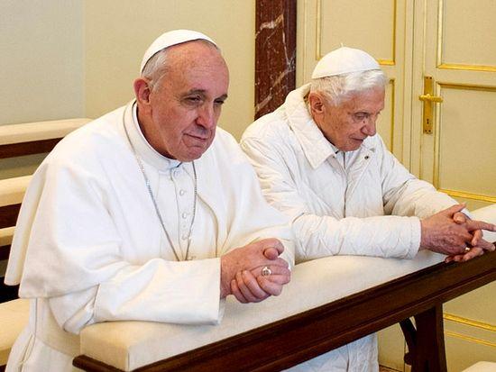 Два папы: Франциск I и Бенедикт XVI