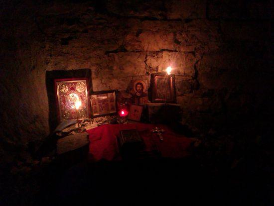 В древнем храме в Чегемском ущелье
