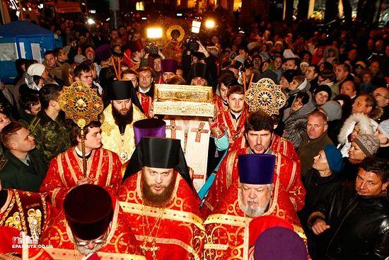 Многотысячный крестный ход с десницей святого Георгия в Одессе