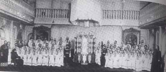 """Singing the """"Furnace Act"""", the Kastalsky Synodal choir, 1909."""