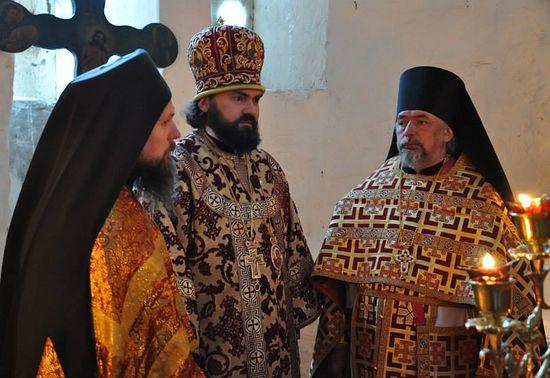 Первое за пятьсот лет архиерейское богослужение в древнем Георгиевском храме Нижнего Архыза