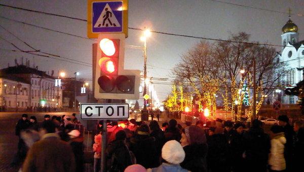 Верующие стоят в многокилометровой очереди к Дарам Волхвов в Москве. © Фото: Герда Антонова