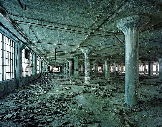 Заброшенный Детройт. Помещение завода-изготовителя автомобильных кузовов