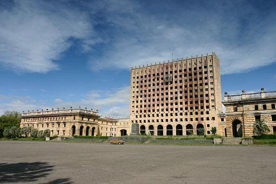Здание совета министров Абхазии. Сухум