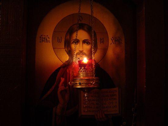 Под Покровом Божией Матери  (несколько слов о ночной литургии для молодежной группы нашего храма).
