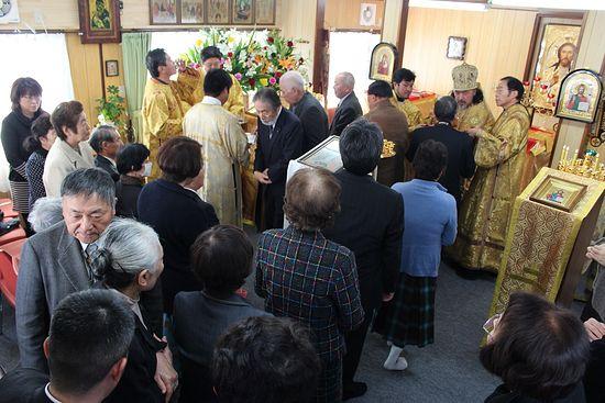 Праздничная литургия в Ямада. 2013 г. Икона Спасителя подарена Русской Православной Церковью.