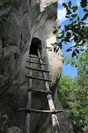 Пещера прп. Дионисия в горах Бузэу, Румыния