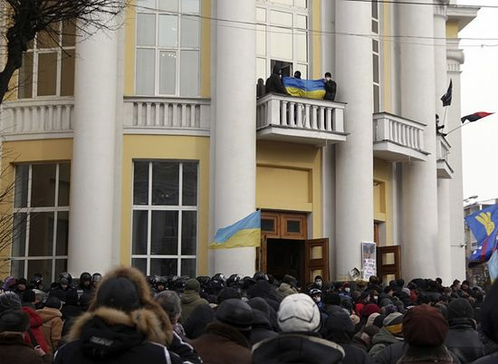 Anti-government riots in Vinnytsia, January 25, 2014. (Reuters)