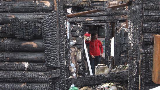 В сгоревшем доме Ирины Ахундовой