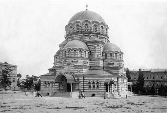 Тифлисский Александро-Невский военный собор.Разрушен по указанию Л. Берия в 1930 году.