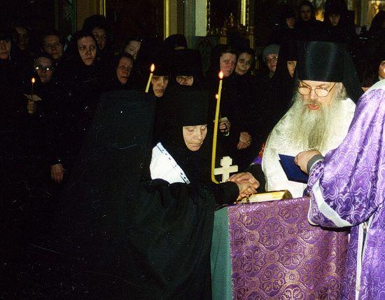 Постриг монахини Амвросии в Пюхтицком монастыре. 14 марта 2003 г.