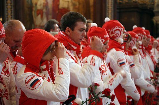 На молебне перед Ванкуверской Олимпиадой. Храм Христа Спасителя, Москва. 28 января 2010 г.