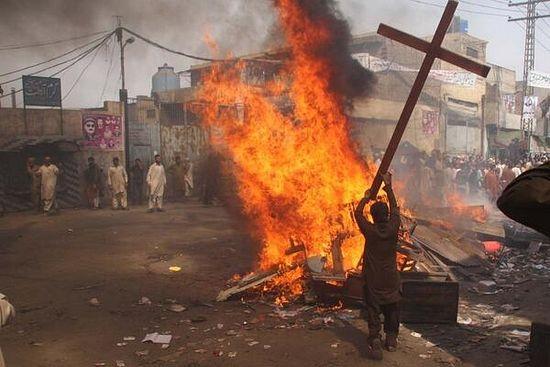 Нападение на христиан в Пакистане в Лахоре
