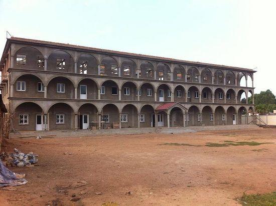 Здание строящегося приюта для детей