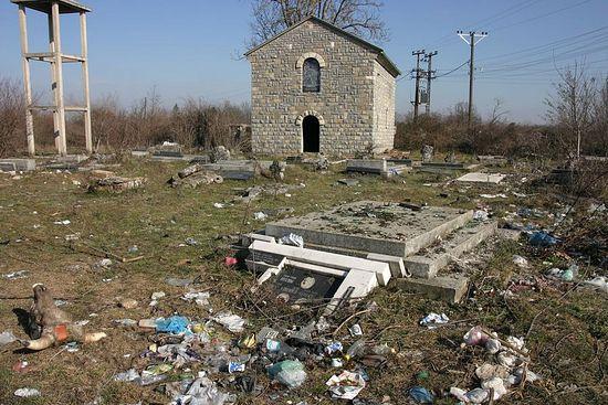 Церковь Святой Троицы и сербское кладбище. Фото: Н. Батраева / Православие.Ru