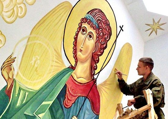 Роспись храма Иверской иконы Божией Матери, построенного в 2007 г. в расположении 201 базы