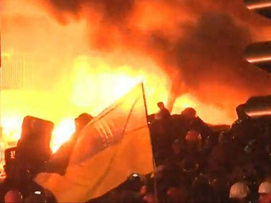 События на Евромайдане вечером 18 февраля. Кадр трансляции Еспресо.TV.