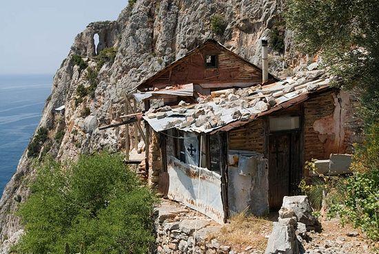 Келья подвижника на Карулях, Святая Гора Афон