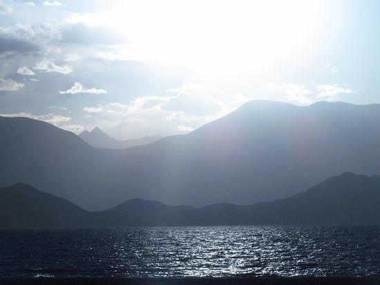 Северный Таджикистан, высокогорное озеро Каракуль