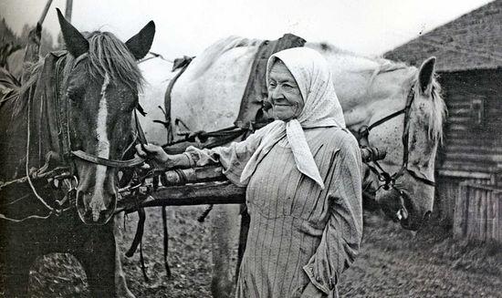 80-летняя жительница д. Оденьево Павлуша. 1960 г.