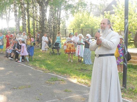 Благочинный Ачитского района иерей Владимир Кисяков на летнем празднике