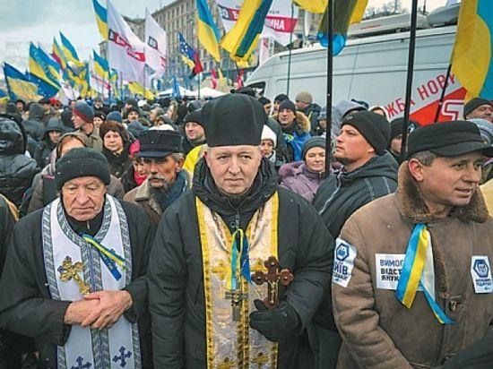 Унијатски свештеници на Мајдану. Фото – ng.ru