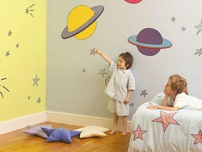 Материнские заметки: стены в нашей квартире