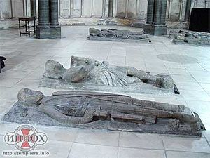 На переднем плане Вильям Маршалл I, первый граф Пемброк (ум. 1219). Церковь Темпла в Лондоне (Англия)