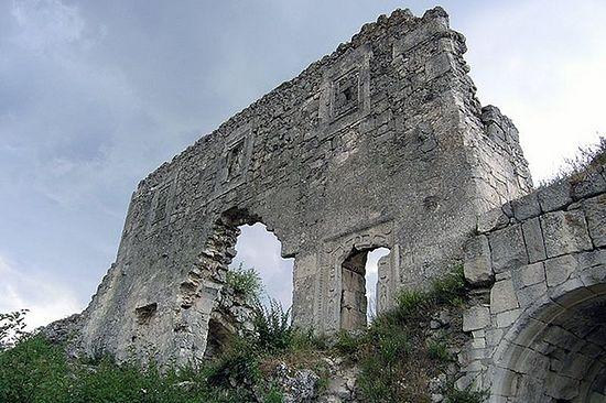 Руины города Мангуп. Фото: wikipedia.org