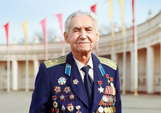 Герой Советского Союза Николай Ефимович Оловянников