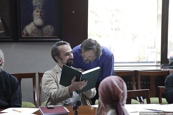 Павел Кириллович Доброцветов, кандидат философских наук, кандидат богословия, и Роман Михайлович Конь, кандидат богословия