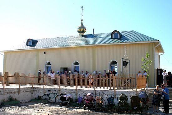Поред овог храма је експлодирала мина