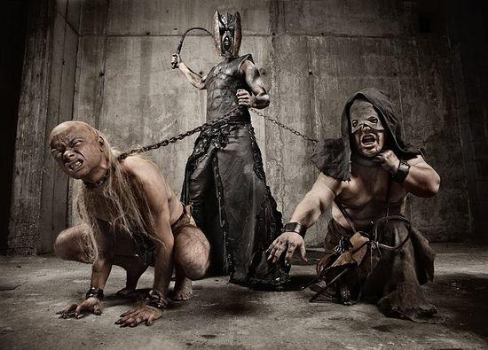 Фотосессия сатанинской группы «Бегемот»