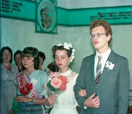 Свадьба Чечневых в сельском загсе