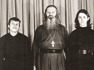 Дом, хлеб, храм: история иеромонахов Гудковых