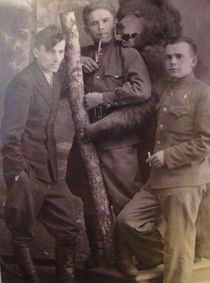 Постановочное фото, Алексей Петров крайний справа