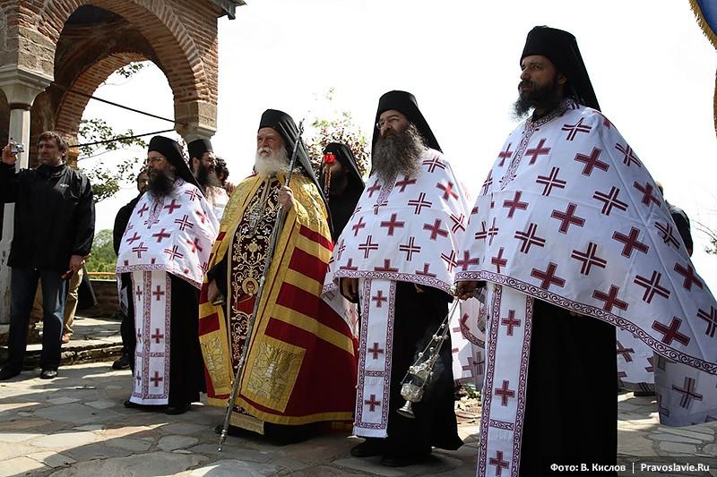 Крестный ход с иконой «Достойно есть» на Афоне.  Фото: Виталий Кислов / Православие.Ru