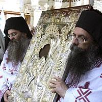 Крестный ход с иконой «Достойно есть» на Афоне