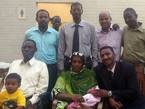 С мужем, детьми и командой юристов - недолгое счастье на свободе