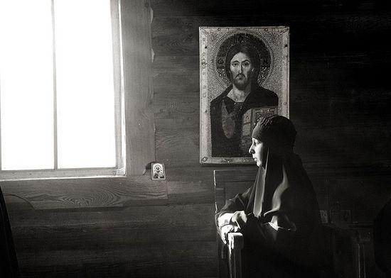 Жизнь под иконами. Фото: Михаил Тимофеев
