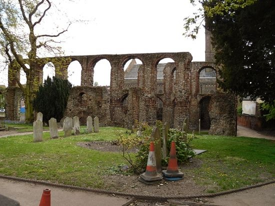 Ruins of St. Botolph's Priory in Colchester, Essex. Photo by Irina Lapa