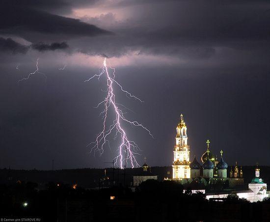 Гроза над Троице-Сергиевой Лаврой